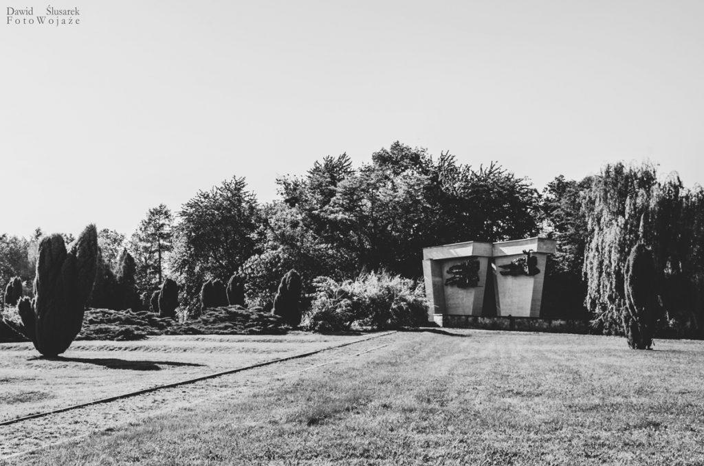 pomnik łambinowice