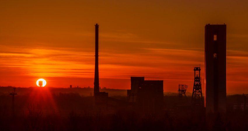 zachód słońca kopalnia makoszowy w zabrzu
