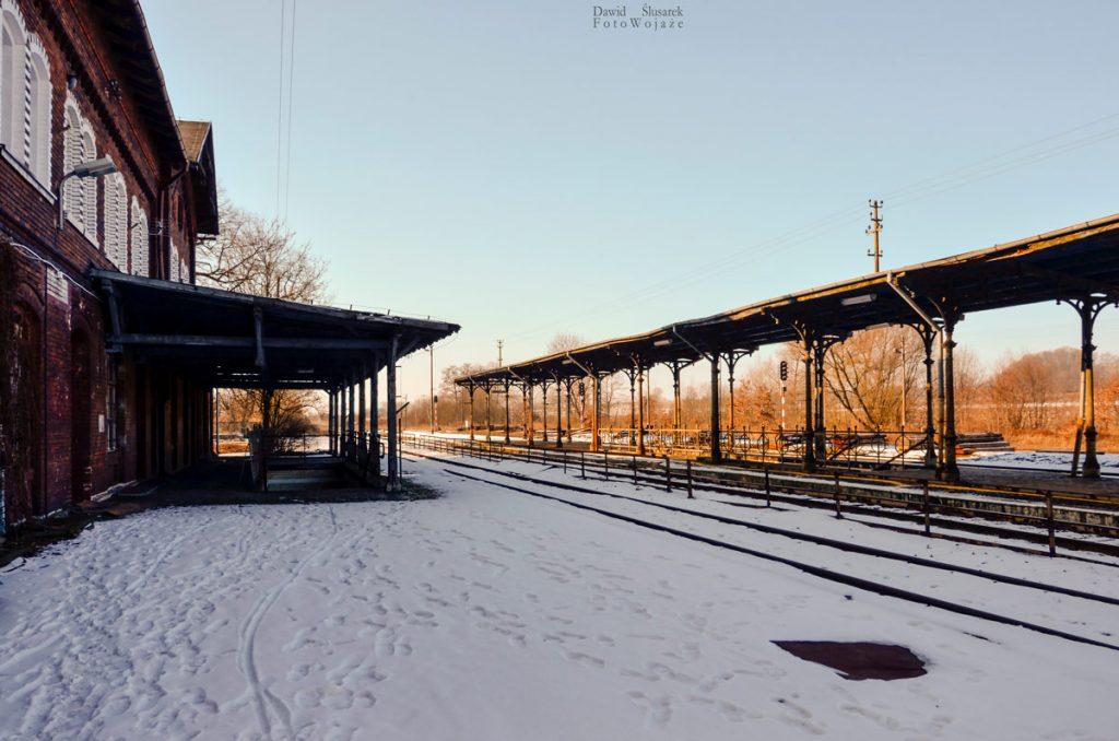 dworzec otmuchów
