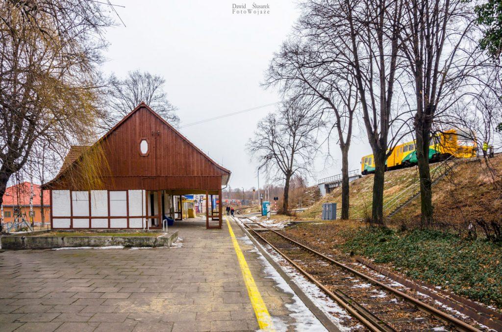 stacja kolejowa głuchołazy miasto