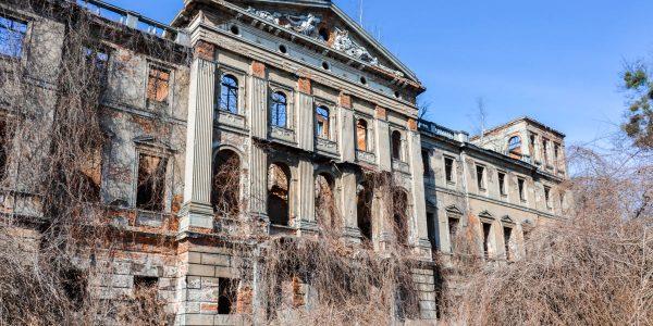 pałac w sławikowie