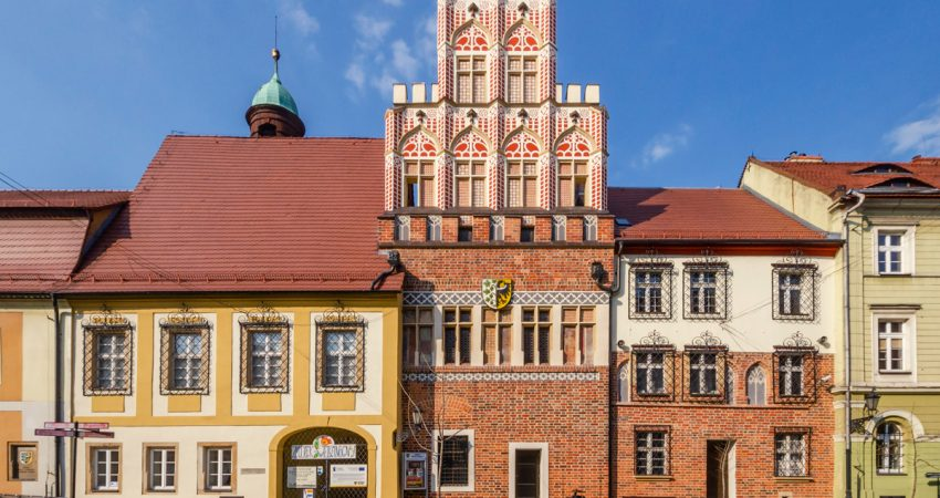 stare miasto w środzie śląskiej - rynek