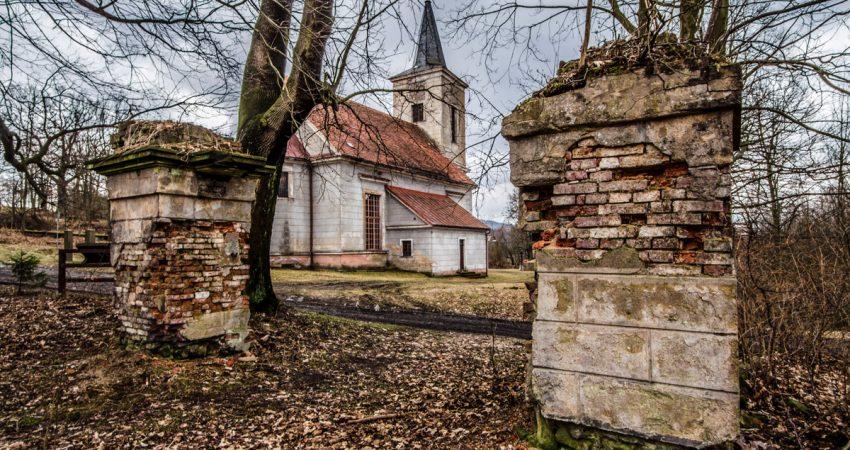 upadek miedzianki - kościół