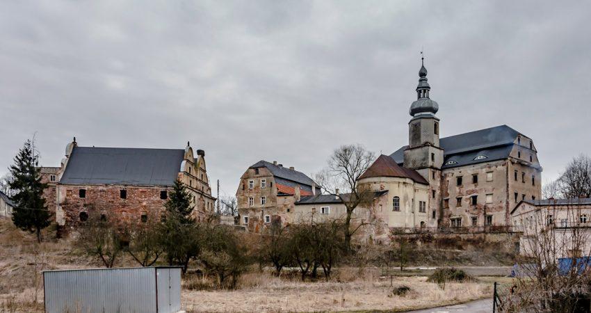 zamek sarny w ścinawce