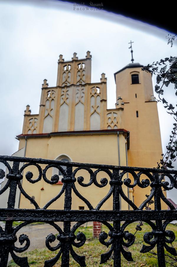 kościół w mokrzeszowie